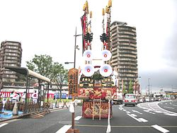 Tobatagion_Floats_with_decorated_flags
